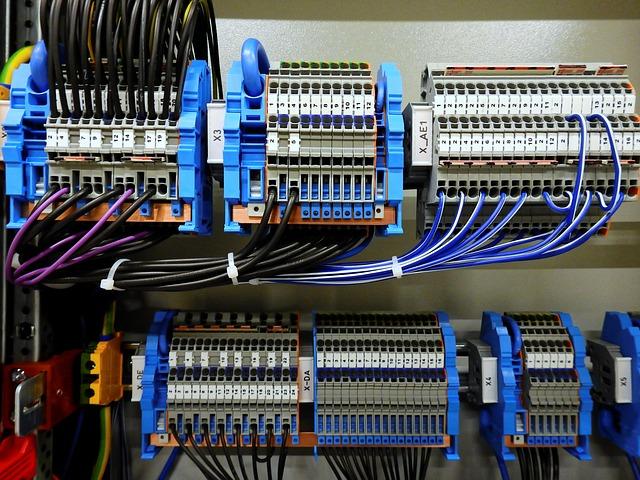 switchgear-2069791_640